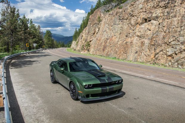 Review The 2018 Dodge Challenger Hellcat Is A Sledgehammer On
