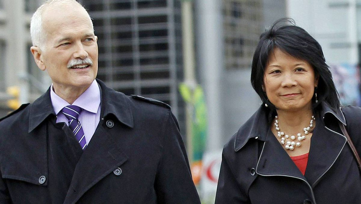 NDP Leader Jack Layton and his wife, Toronto MP Olivia Chow, walk to Parliament Hill on May 18, 2011.