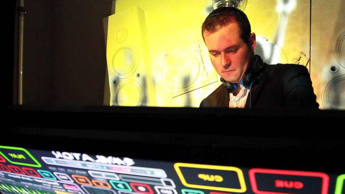 Alan Smithson, co-founder of SmithsonMartin Inc., shows off the Emulator