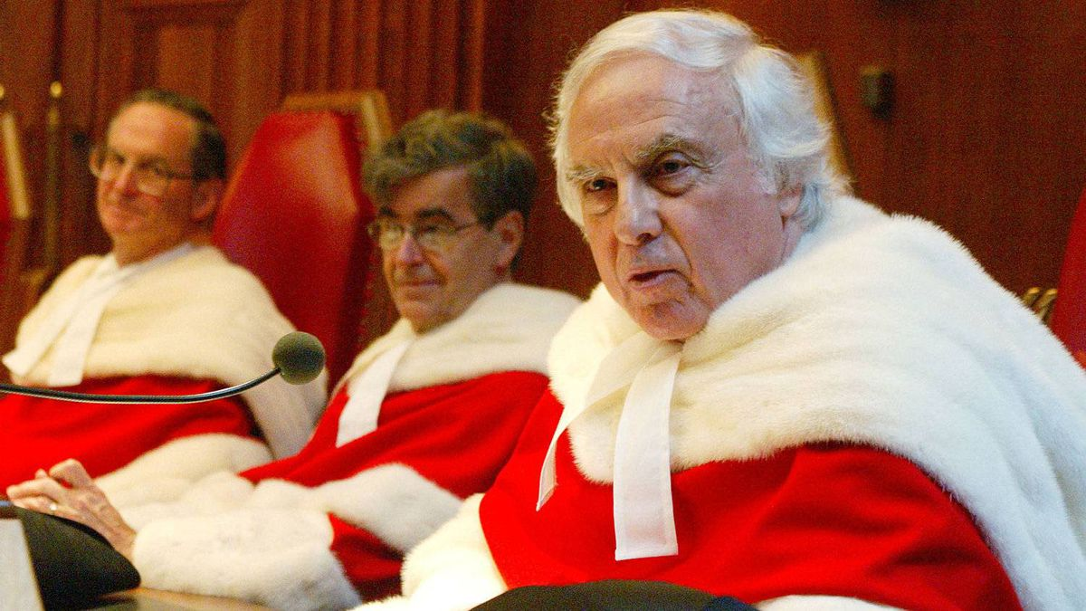 Supreme Court Justice Morris Fish (right) addresses them Supreme Court of Canada after he was sworn in as a justice to the high court, Wednesday October 15, 2003 in Ottawa.