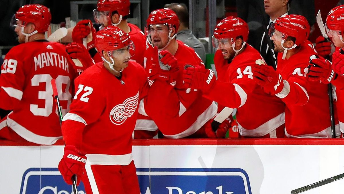 Edmonton Oilers acquire Andreas Athanasiou, prospect from Wings for Sam Gagner, two picks