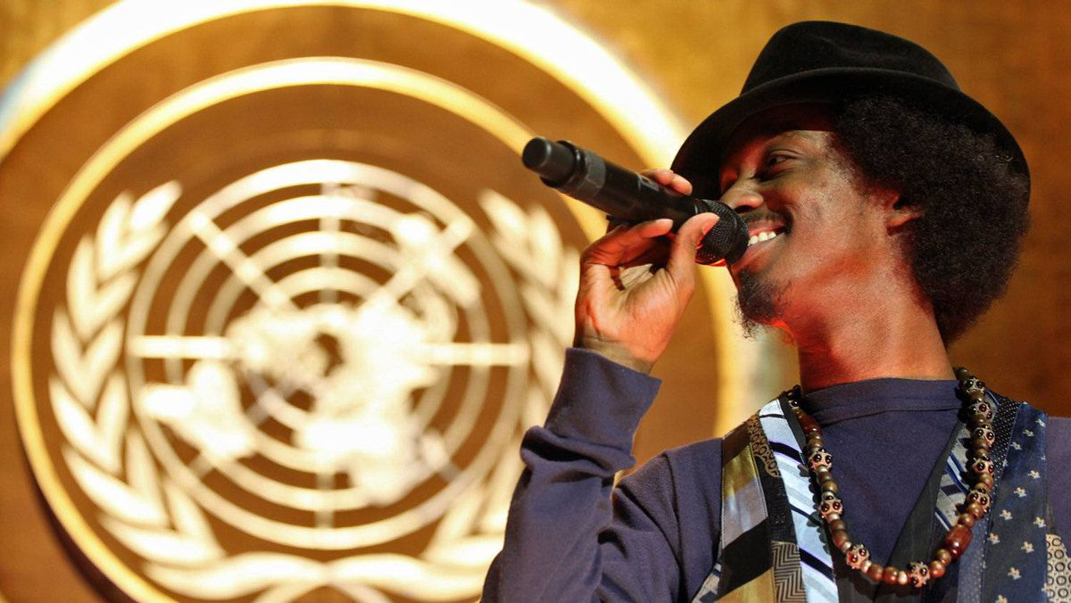 Somali-Canadian rapper K'naan performs at the United Nations' General Assembly on March 17, 2009.