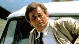Peter Falk's seemingly bumbling detective, Lieut. Columbo, always got his man because he asked dozens of questions and never assumed anything, leadership experts say.