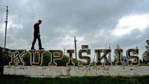 Robin Esrock travels to the small Lithuanian town of Kupiskis to learn about his family history.