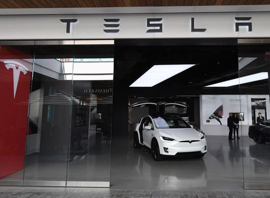 Recent data point to significant drop in U.S. Tesla sales