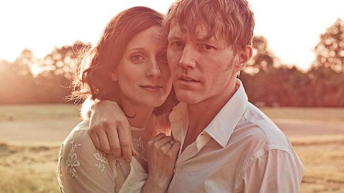 Melissa McClelland and Luke Doucet are the husband-and-wife team behind Whitehorse.