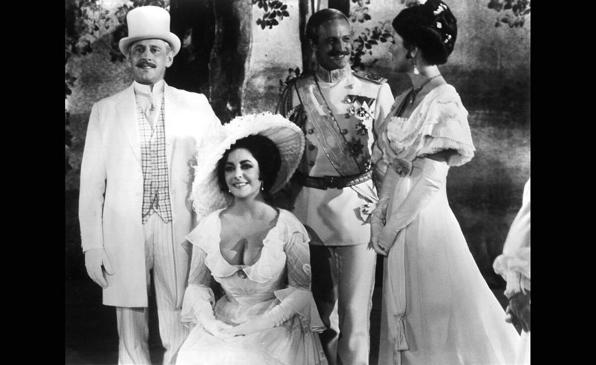 Len Cariou, Elizabeth Taylor, Laurence Guittard, Diana Rigg in the 1977 film Little Night Music
