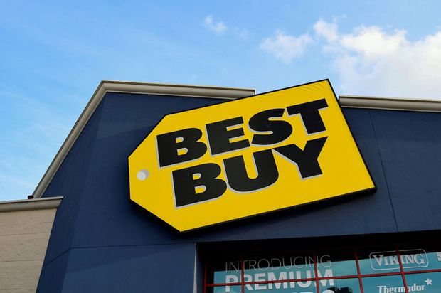 Best Buy Issues Lukewarm Holiday Forecast But Boosts Full Year