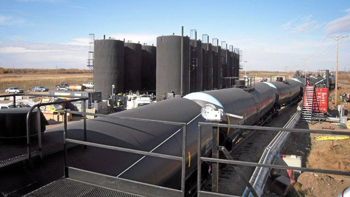 Tanker cars take on crude oil at the Altex Energy facility in Lashburn, Sask.