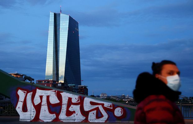 European Central Bank steps up aid as economy slides