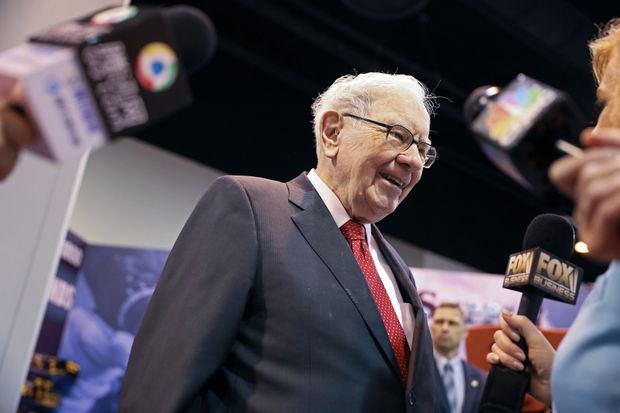 Billionaire Warren Buffett says women's place is in investing