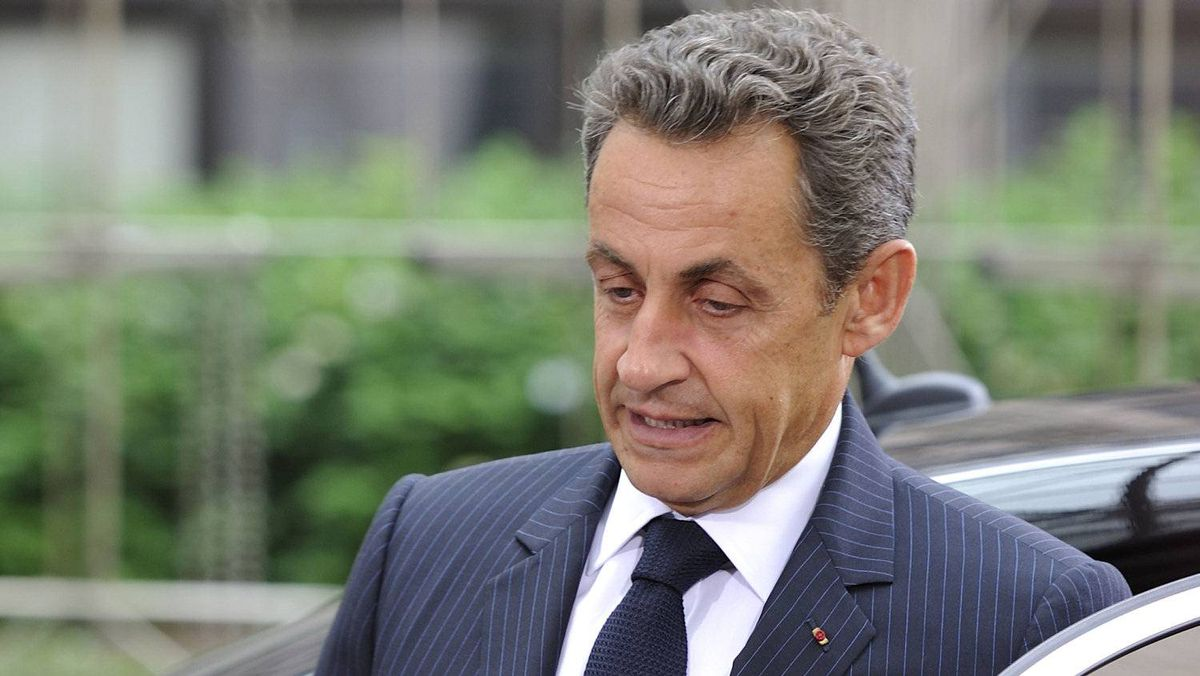 French President Nicolas Sarkozy arrives for the EU summit on July 21, 2011 at the European Council headquarters in Brussels.