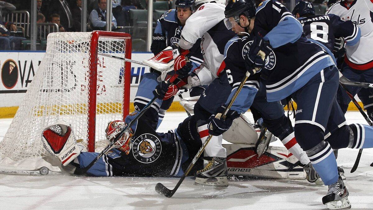 Goaltender Tomas Vokoun #29 of the Florida Panthers stops a shot by Alex Ovechkin #8 of the Washington Capitals during the second period on April 9, 2011 at the BankAtlantic Center in Sunrise, Florida. The Panthers won 1-0. (Photo by Joel Auerbach/Getty Images)