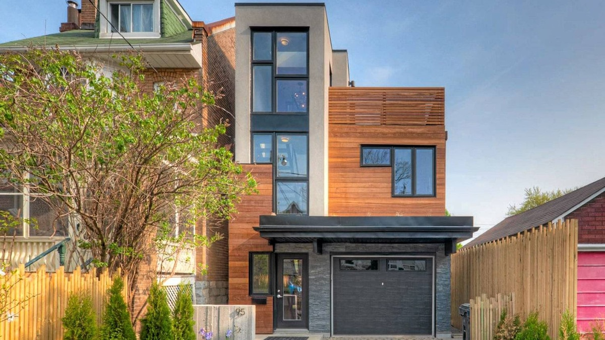 Home on Ilford Ave. built by recent Ryerson Architecture grads Lilli Vu and Allan Campbell.