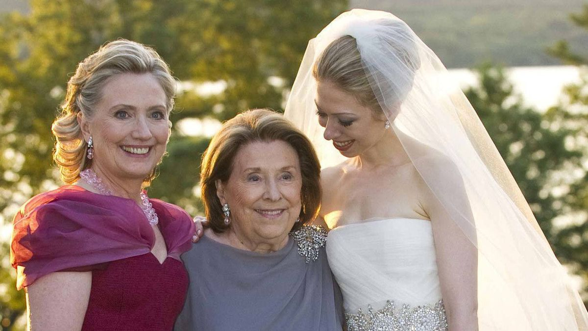 The extra length meant she could pull of a more elegant style at daughter Chelsea's wedding in 2010.