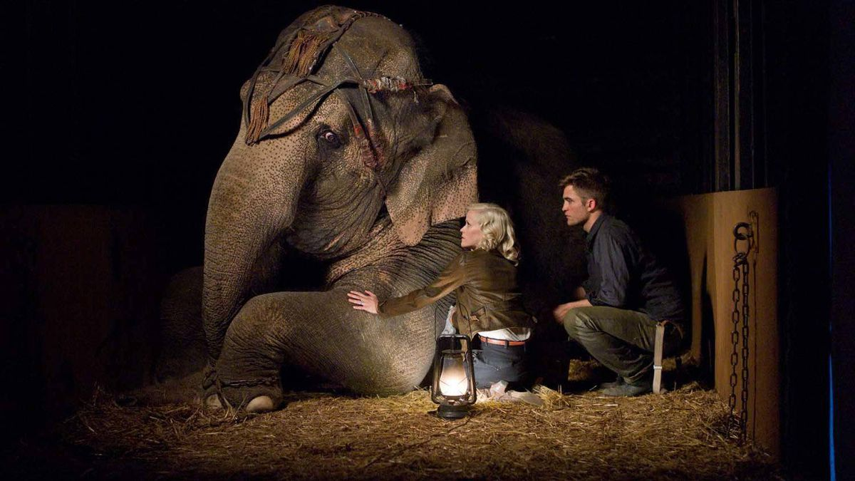 """Reese Witherspoon and Robert Pattinson in a scene from """"Water for Elephants"""""""