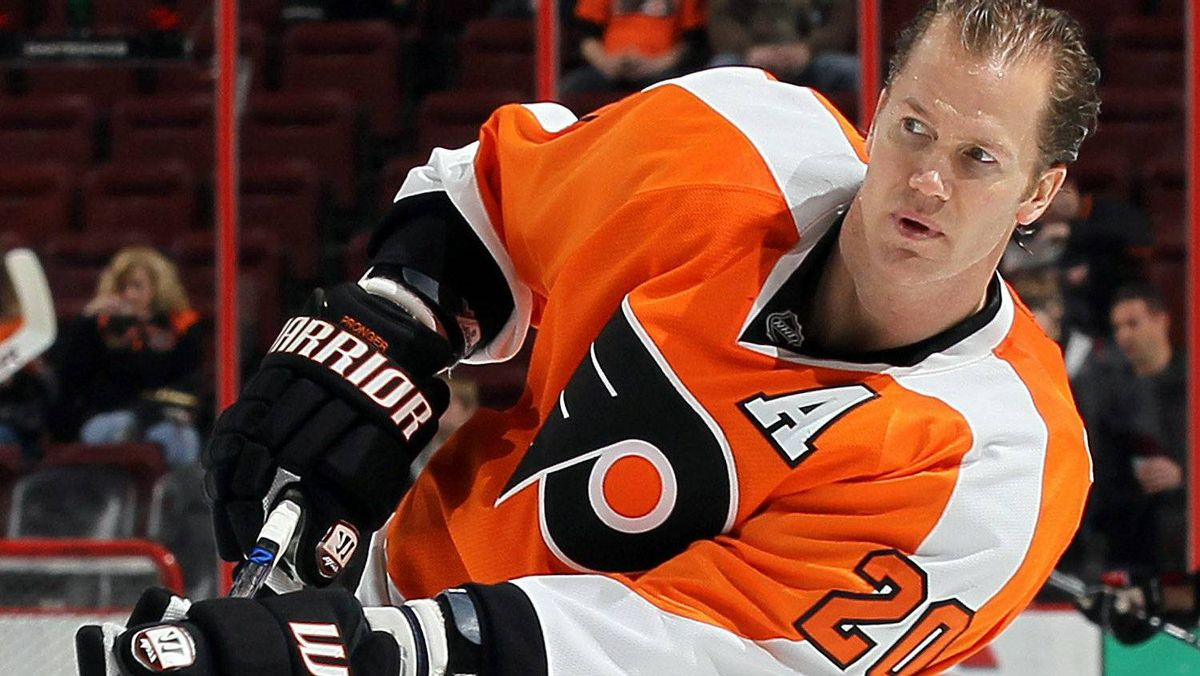 Chris Pronger #20 of the Philadelphia Flyers warms up before playing against the Ottawa Senators on January 20, 2011 at Wells Fargo Center in Philadelphia, Pennsylvania. (Photo by Jim McIsaac/Getty Images)