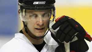 Jason Spezza's fortunes have improved with the Ottawa Senators. FILE PHOTO: THE CANADIAN PRESS/Jacques Boissinot