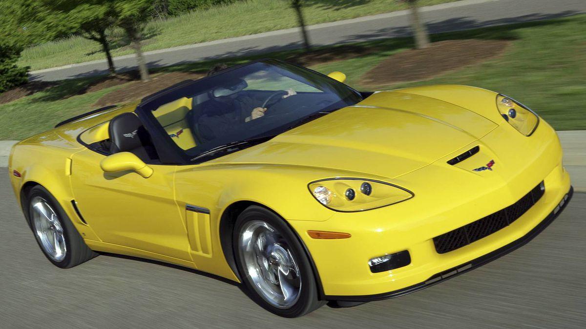 2011 Chevrolet Corvette Grand Sport. X11CH_CR026 (06/22/2010) (United States)