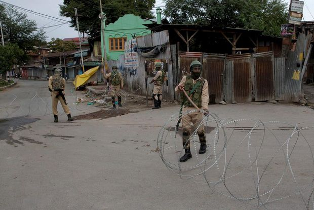 India reimposes some curbs on movement, phones in Jammu and Kashmir