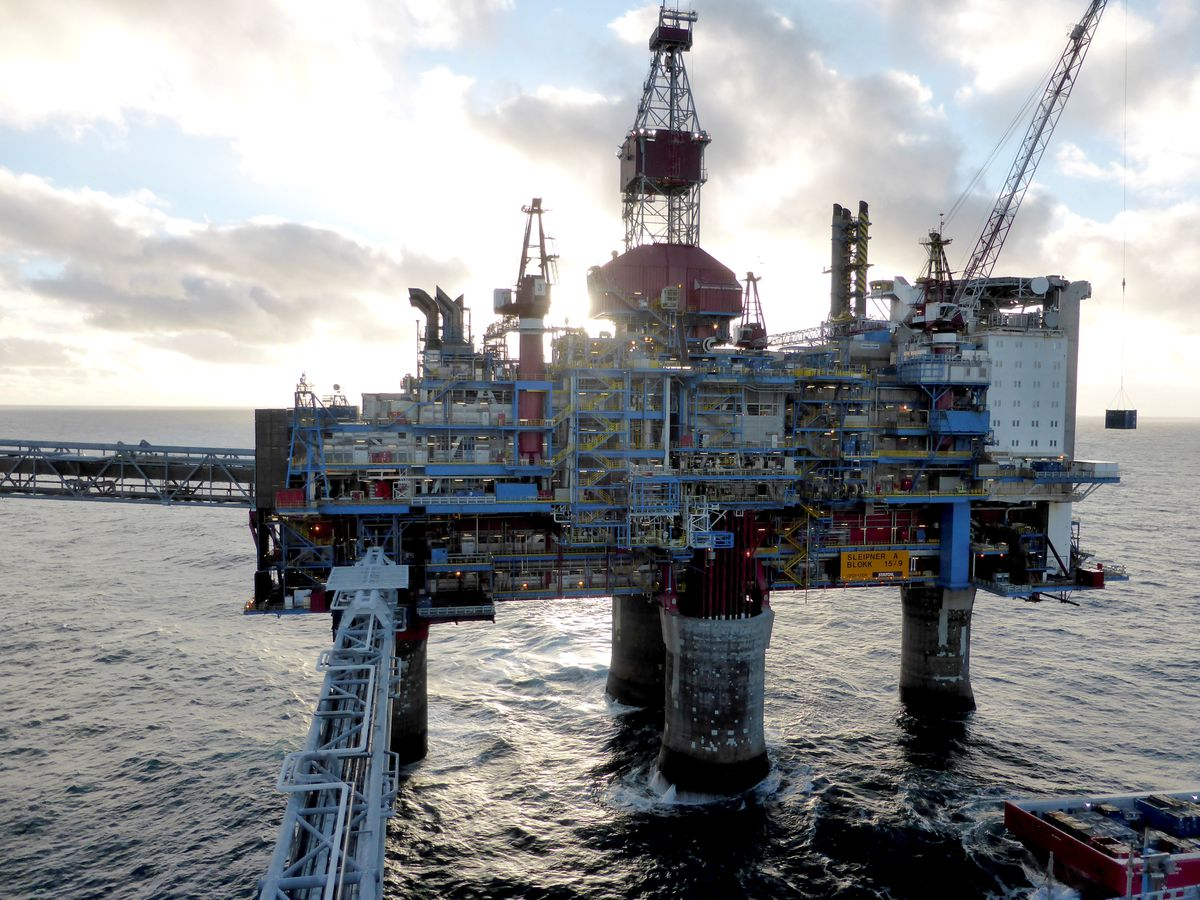 Shell shuts down Norway's Knarr oil and gas field as