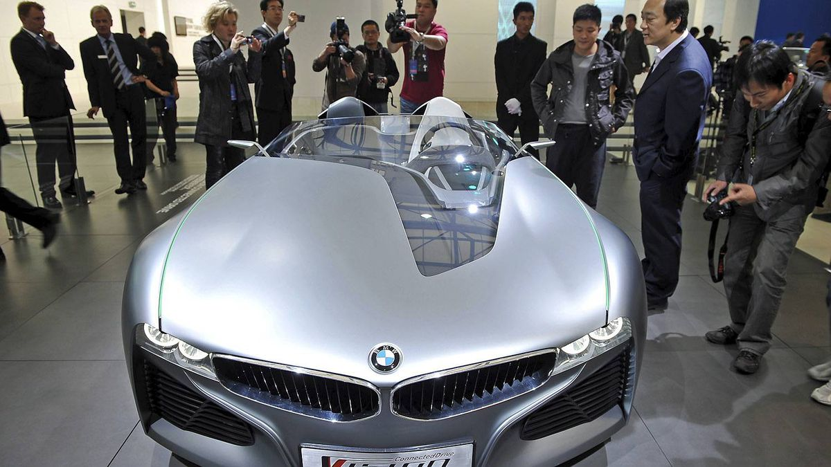 The BMW Vision ConnectedDrive prototype car is displayed at the Shanghai Auto Show in Shanghai on April 19, 2011. About 2,000 car and parts makers from 20 countries are participating in the Shanghai auto show, showcasing 75 new car models, 19 of them making their world premieres. AFP PHOTO/Philippe Lopez (Photo credit should read PHILIPPE LOPEZ/AFP/Getty Images)