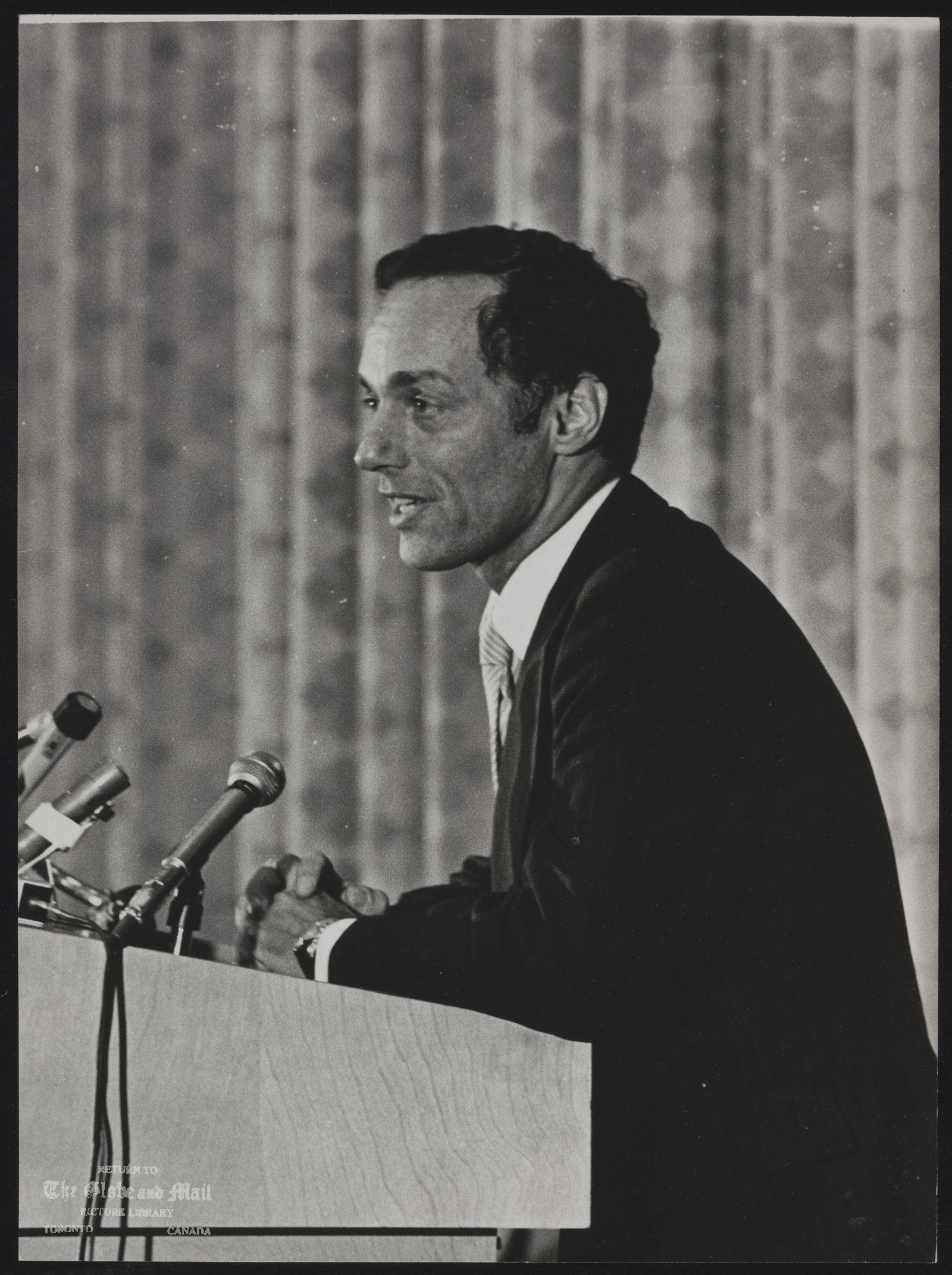 Morton SHULMAN (Dr) Toronto. Politician. Former Coroner.