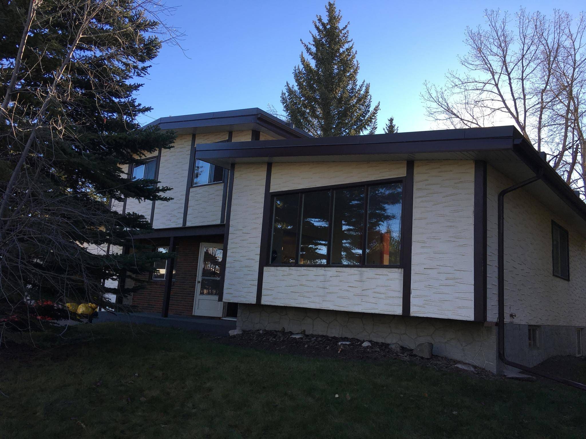 Renovation Brings Calgary House Out Of The Seventies The