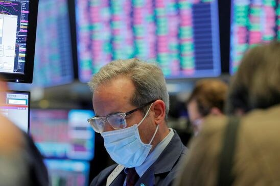At midday: TSX turns negative as recession fears grow