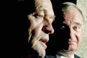 Prime Minster Jean Chretien discusses his decision to transfer power to his successor,Paul Martin, druing a Parliament Hill news conference on Nov. 18, 2003.