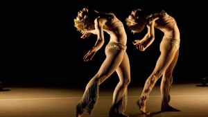 Lucy M. May and Dorotea Saykaly perform in Le nombre d'or (Live) choreographed by Marie Chouinard.
