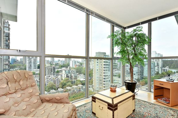 Buyers jump back into Vancouver market with well-timed condo purchase