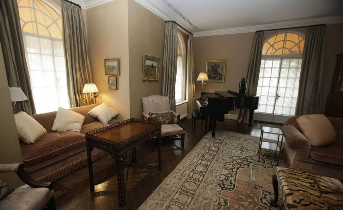 This photo taken Tuesday, Sept. 8, 2009 in New York shows the living room of Bernard Madoff's penthouse apartment on the Upper East Side of Manhattan.