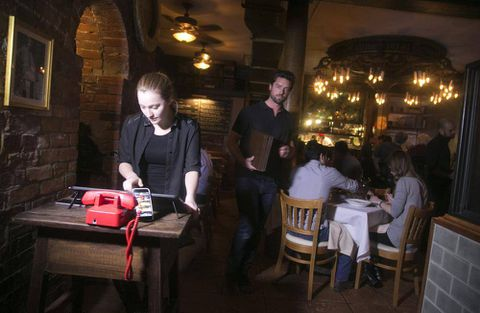 Turning tables: How technology is shaking up restaurant reservations, and profits