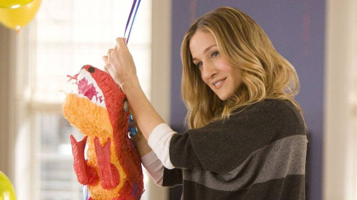 Sarah Jessica Parker stars in I Don't Know How She Does It.