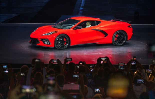 Gearheads Rejoice 2020 Corvette Fulfills Its Destiny With New Mid