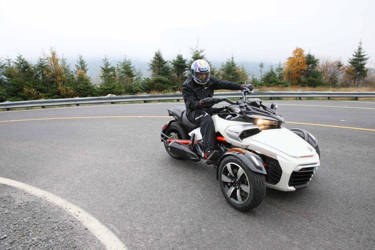 review: 2015 brp can-am spyder certainly an entertaining toy