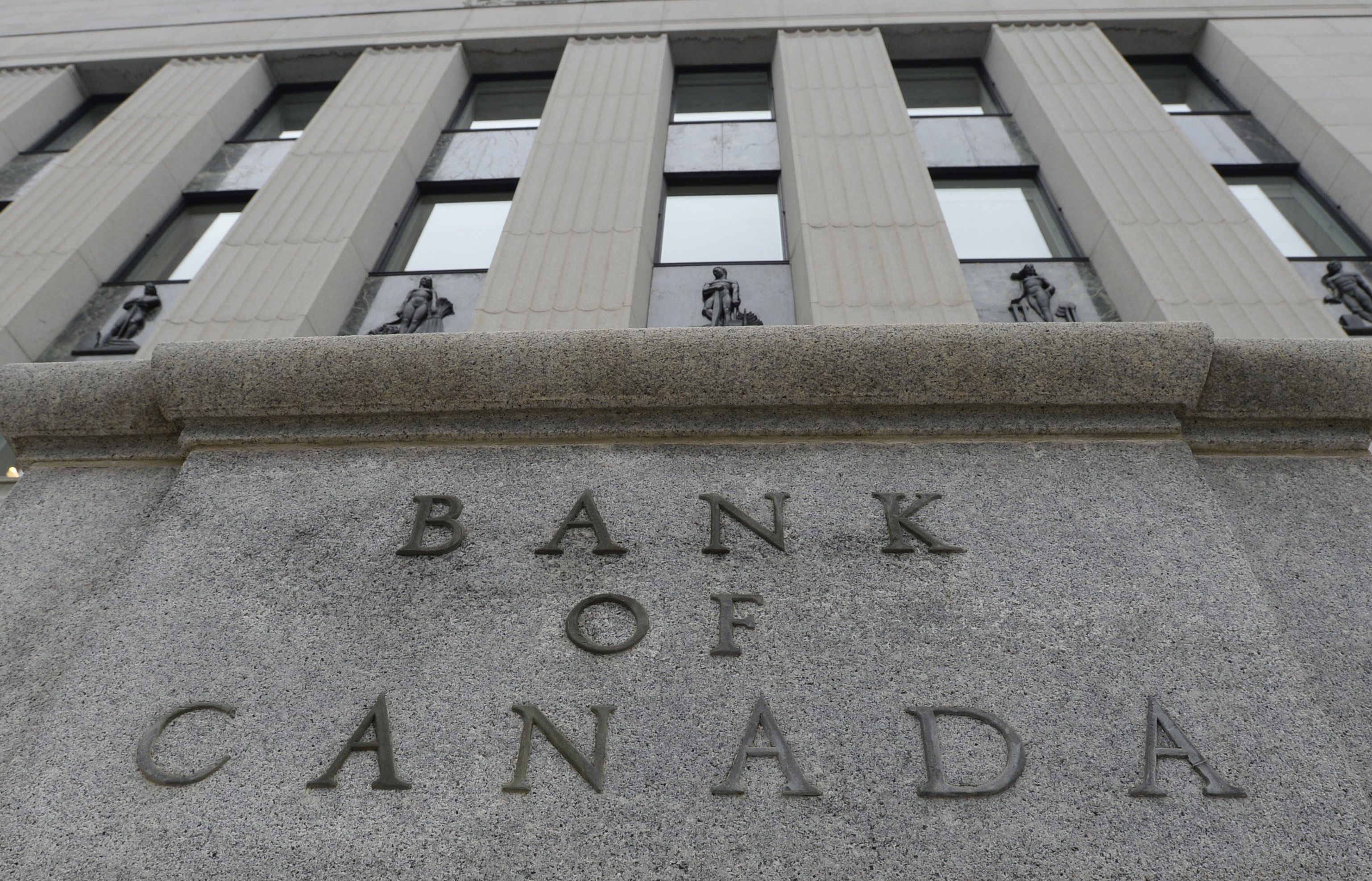 Bank of Canada planning up to $500-million in bond buybacks