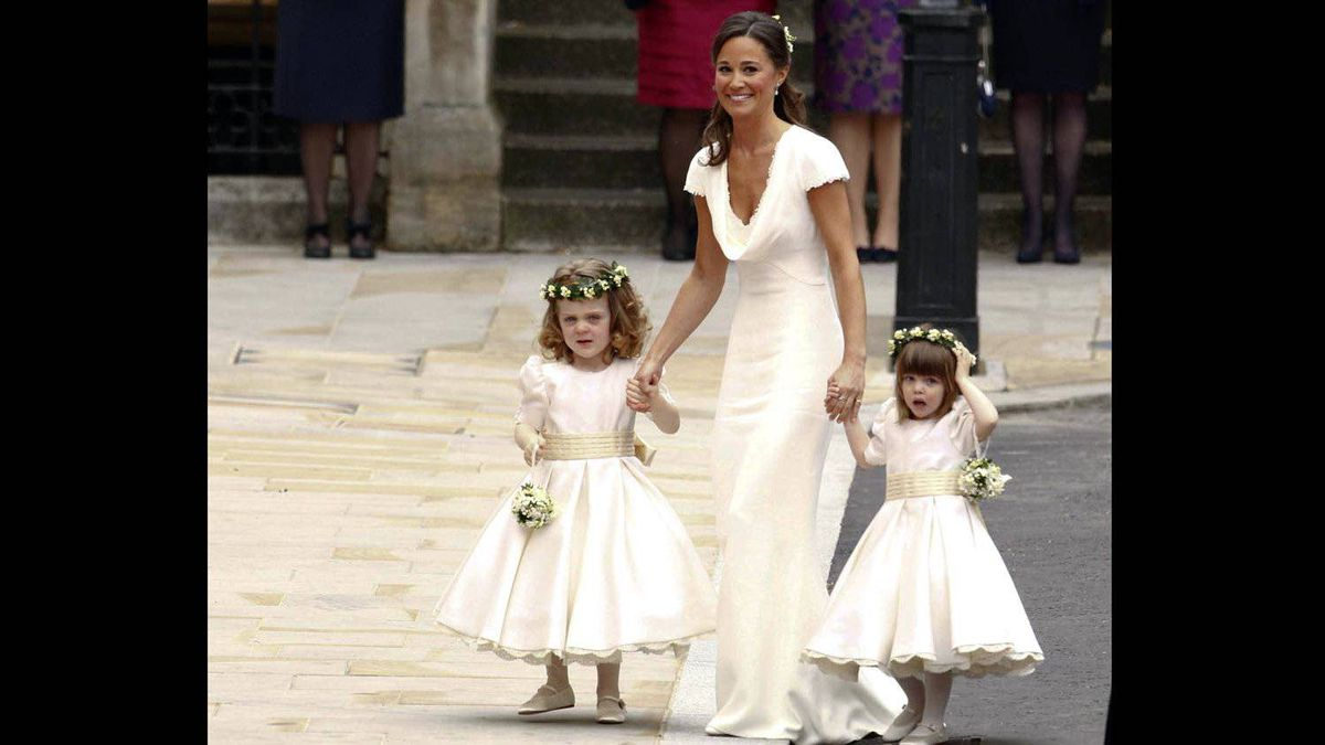 Pippa Middelton, sister of the bride Kate Middleton arrives to the wedding of Britain's Prince William and Kate Middleton in central London April 29, 2011.
