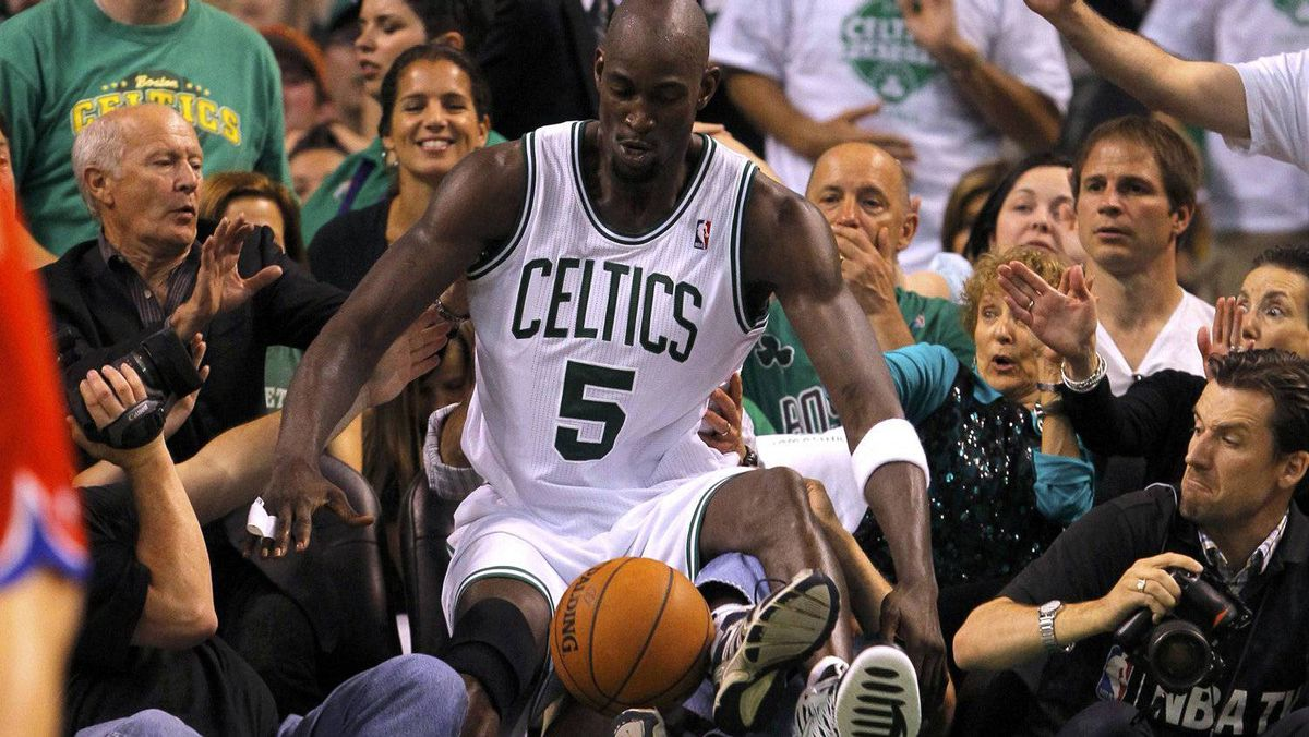 Boston Celtics' Kevin Garnett falls out of bounds during the first half of Game 7 of the NBA Eastern Conference playoff series against the Philadelphia 76ers in Boston, Massachusetts, May 26, 2012. REUTERS/Brian Snyder