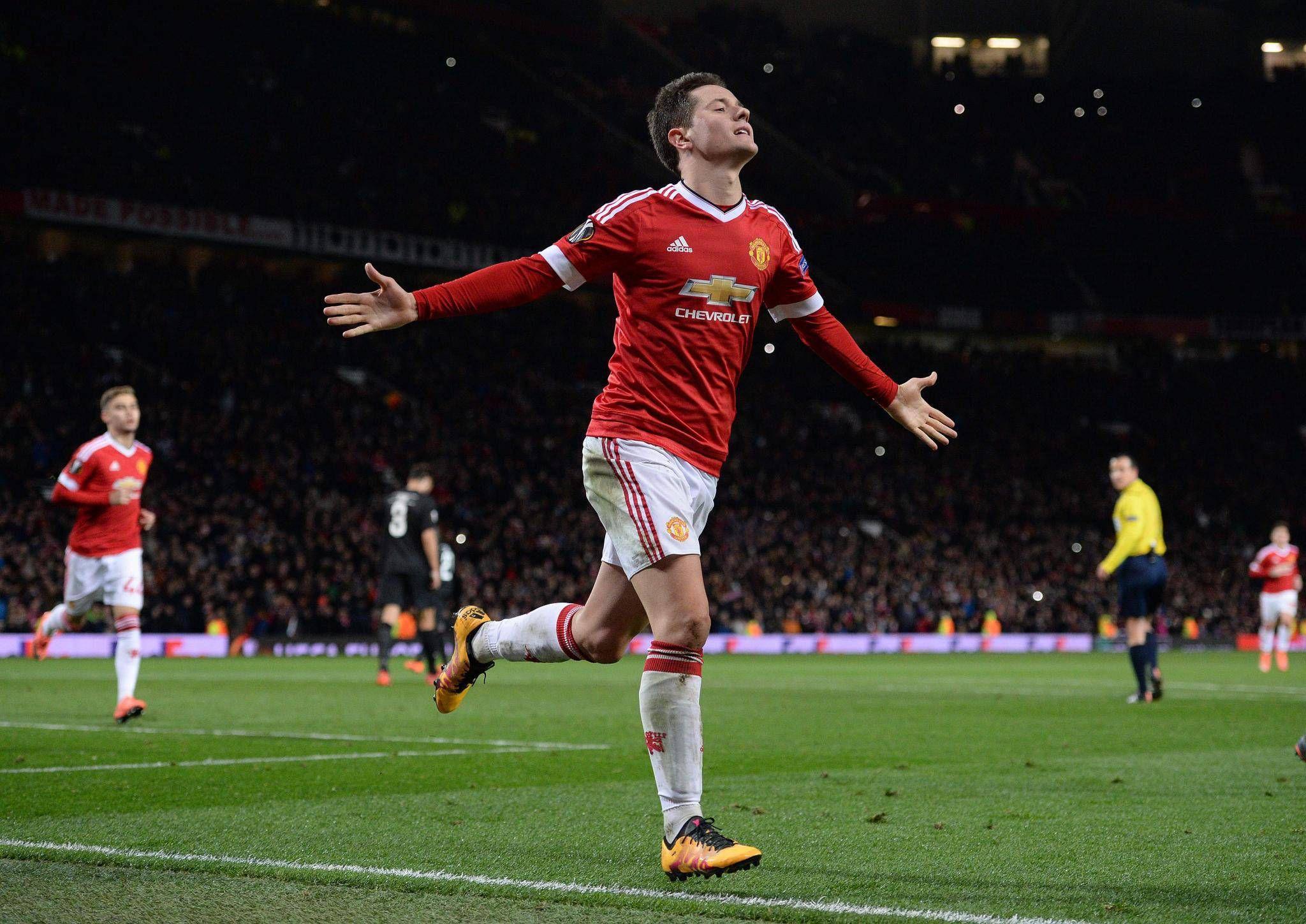 a040c6e765a Manchester United top FC Midtjylland