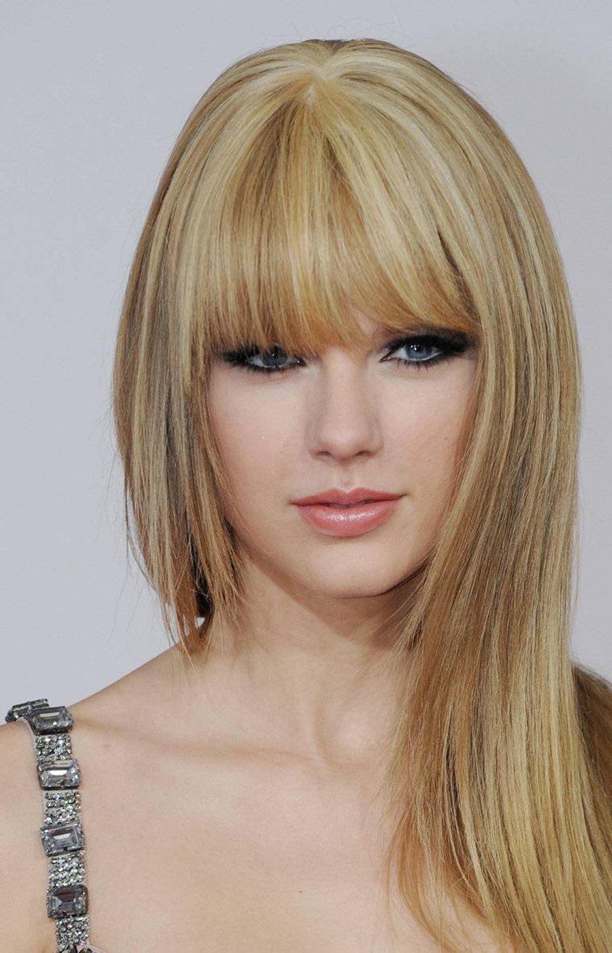 Taylor Swift: Sleek songbird