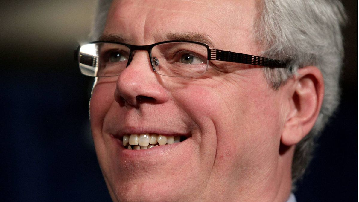 Manitoba Premier Greg Selinger is calling on Ottawa to participate in a study of so-called liberation therapy.