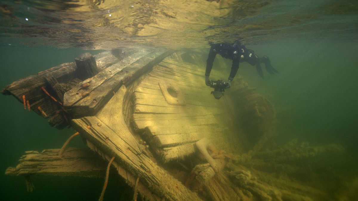 The federal government has refused to allow a group of Norwegians to remove the wreckage of the Maud out of the arctic harbour where it sank more than 80 years ago.