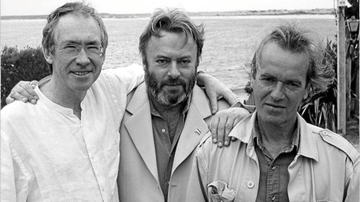 Christopher Hitchens, center, with two friends, Ian McEwan left, and Martin Amis.