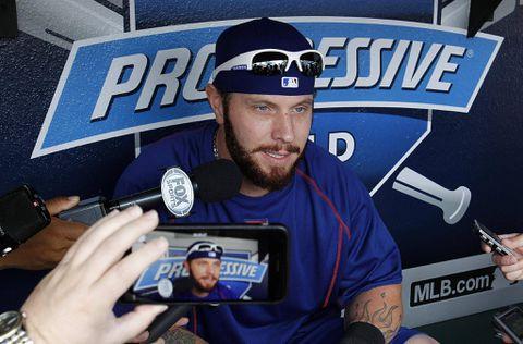 Josh Hamilton hitless in return to majors as Rangers top Indians