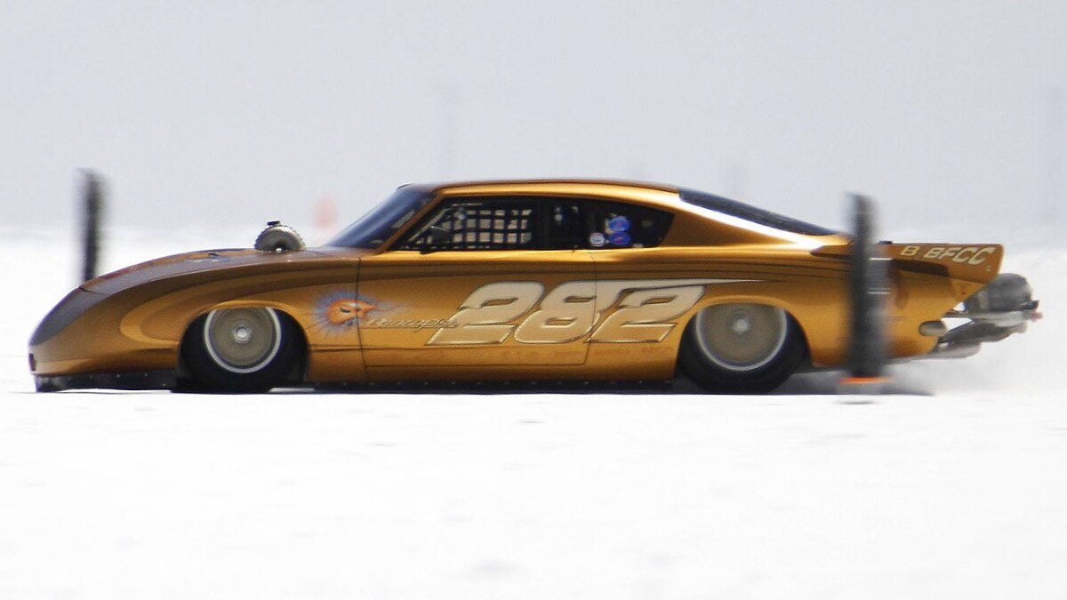 The Blowfish Barracuda makes a run during the third day of the 63rd annual Bonneville SpeedWeek race on the Bonneville Salt Flats outside Wendover, Utah, August 15, 2011. Hundreds of drag race cars will attempt to set land speed records during the course of the week.