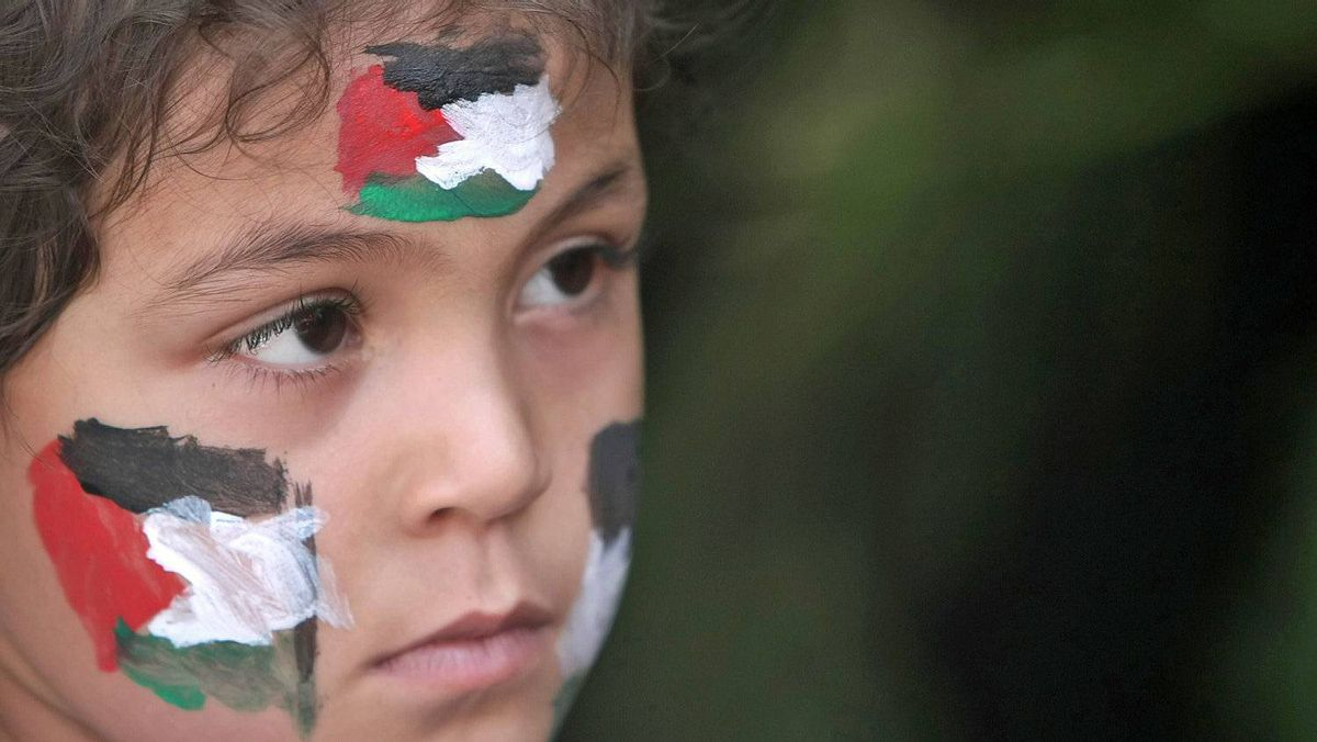 A Palestinian girl has her face painted during a Gaza City demonstration in support of Mahmud Abbas's bid for statehood recognition at the United Nations on Sept. 22, 2011.