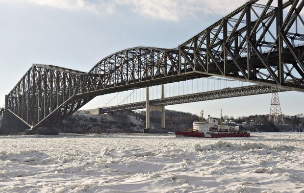 Ottawa says it's ready to pass law forcing CN to restore Quebec Bridge
