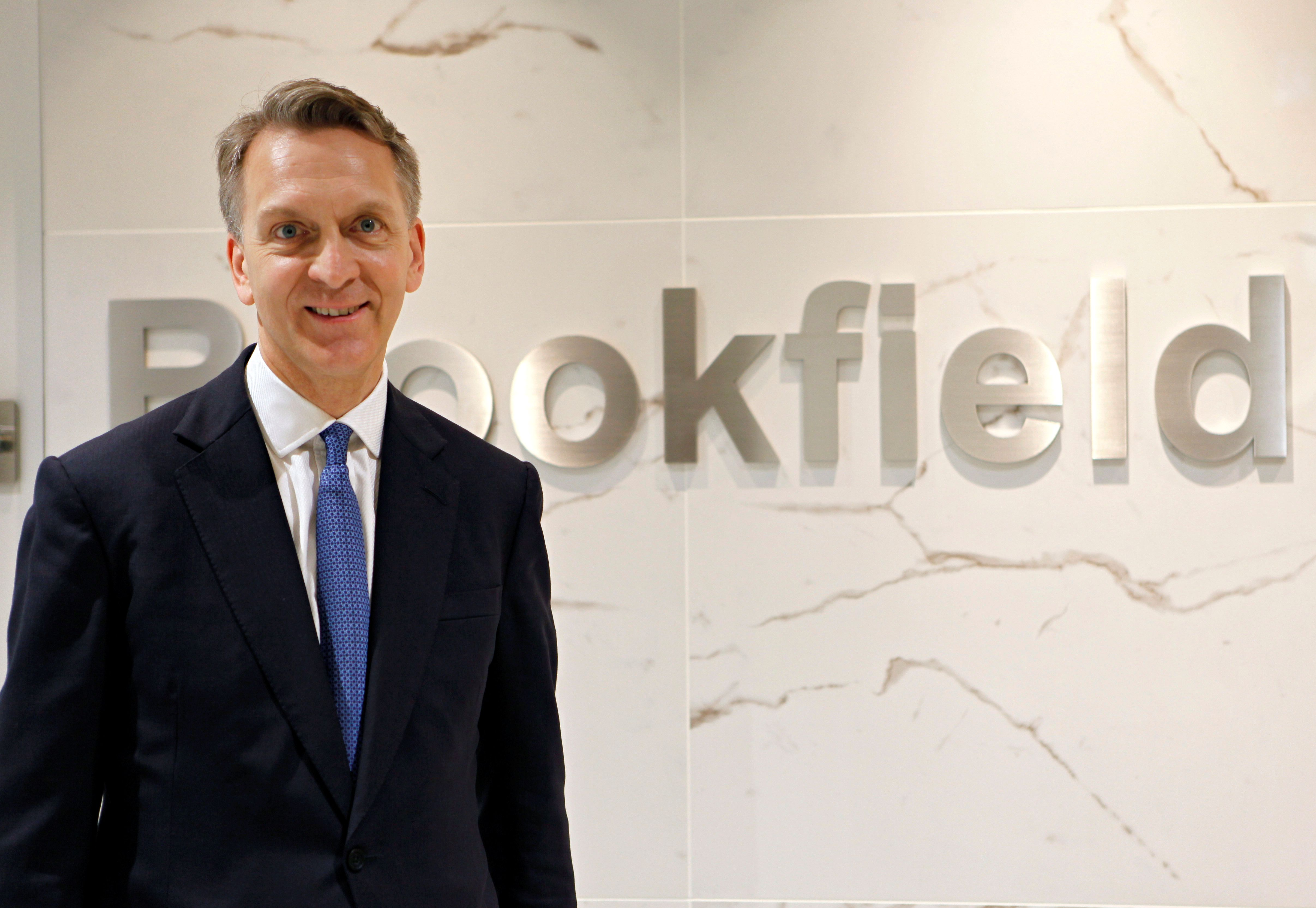 Brookfield CEO wants Oaktree veteran Howard Marks to 'keep doing what he does'